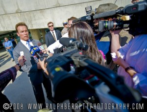 Gov. Arnold Schwarzenegger takes questions from the press.